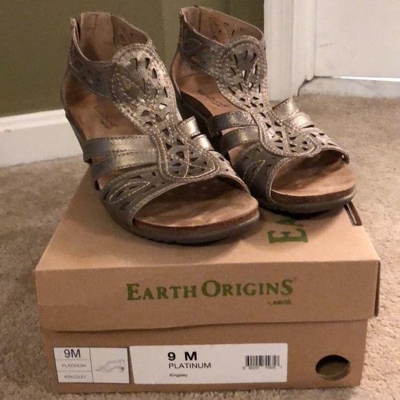 020fb857f6 Earth Origins Shoes - Earth Origins Platinum Kingsley wedge heel sandal